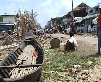 Následky cyklonu Nargis, který v Barmě zabíl desítky tisíc lidí.