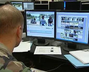 Americký voják na Vojenské informační škole