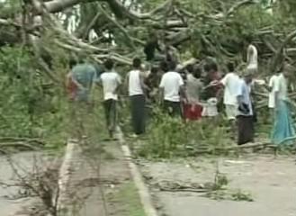 Odklízení po cyklonu Nargis