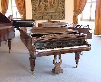 Historický klavír