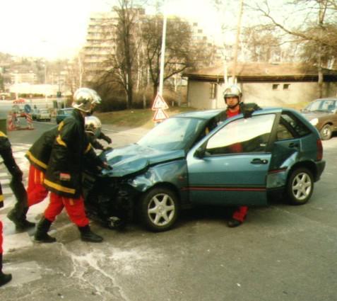 Odstraňování nehody automobilu