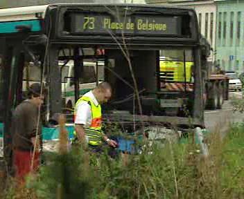Dopravní nehoda autobusu a několika vozidel