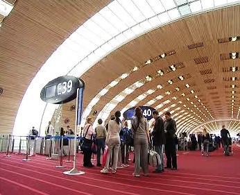 Nový terminál pařížského letiště