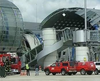 Zborcený terminál pařížského letiště