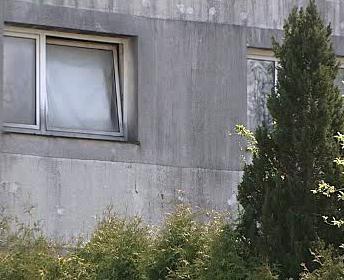 Dům, ve kterém byla žena vězněna