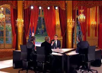 Nicolas Sarkozy při rozhovoru s novináři