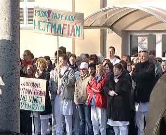 Demonstrující zdravotníci