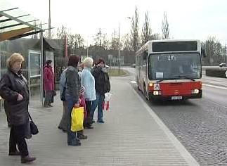 Cestující na zastávce