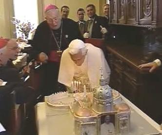 Papež slaví narozeniny