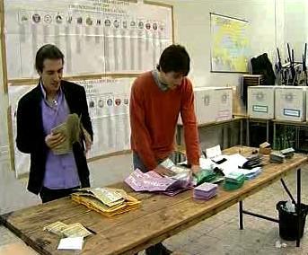 Volební místnost v Itálii