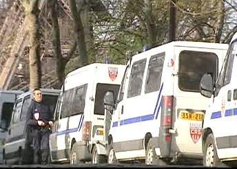 Kolona policejních aut