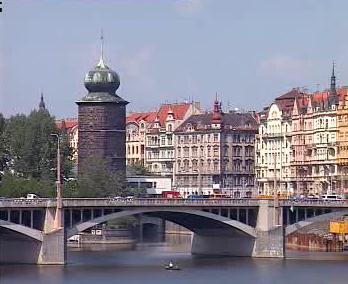 Nábřeží v Praze