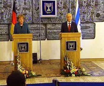 Angela Merkelová a Šimon Peres