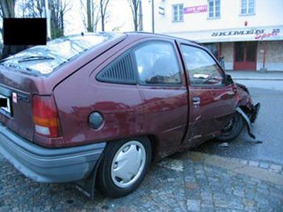 Havarovaný Opel Kadett