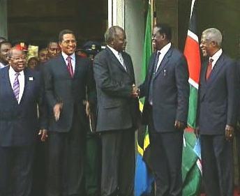 Mwai Kibaki a Raila Odinga