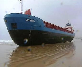 Loď na mělčině