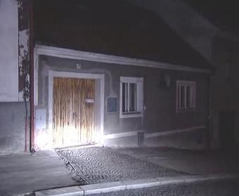 Dům, kde bylo nalezeno mrtvé novorozeně
