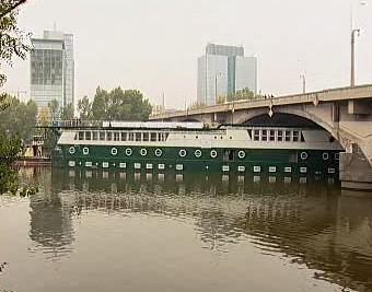Jachta na Vltavě v Praze