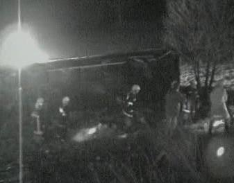 Hasiči u nehody autobusu