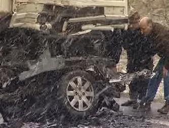 Spálený vrak auta