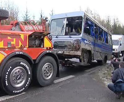 Odtah havarovaného autobusu