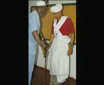 Obama v africkém oděvu