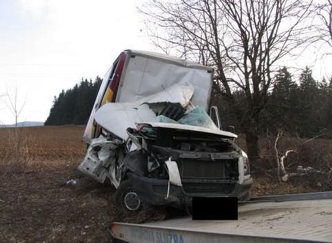 Nabourané nákladní auto