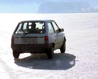 Auto na Lipně
