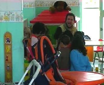 Násilník v mateřské škole