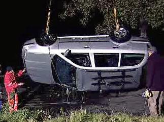 Auto vytažené z vody