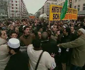 Demonstrace muslimů v Neměcku