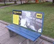 Výstava na lavičkách