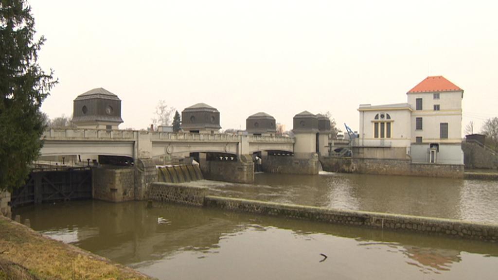 Most a jez v Přelouči