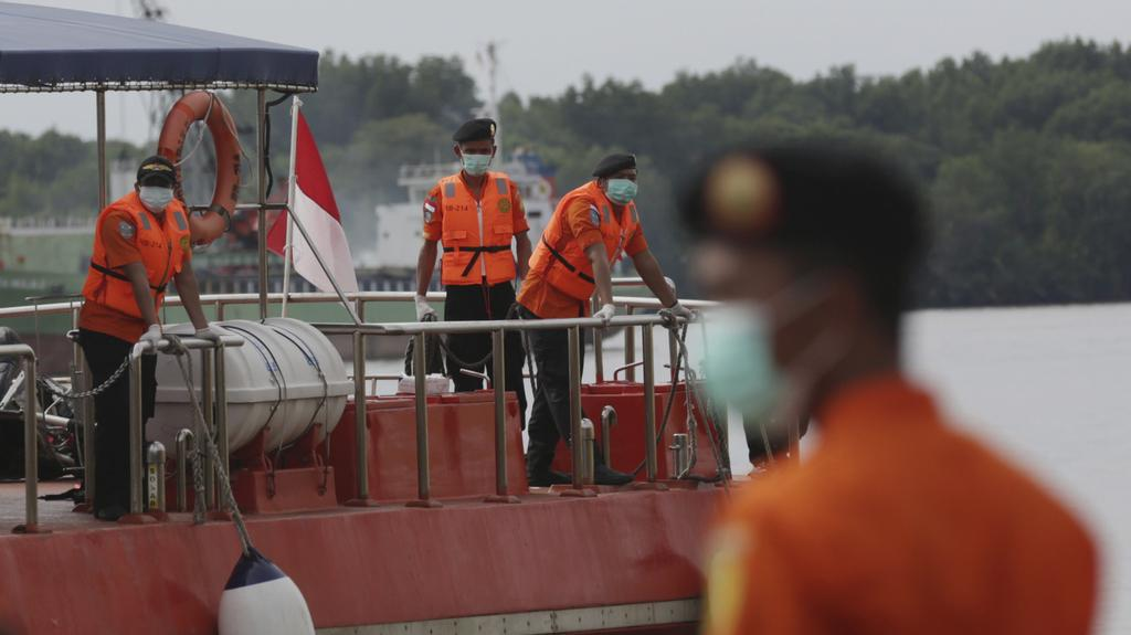 Pátrání po obětech pádu letadla v Jávském moři