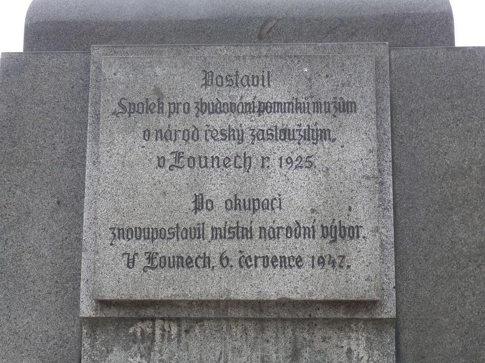 Z pomníku mistra Jana Husa v Lounech