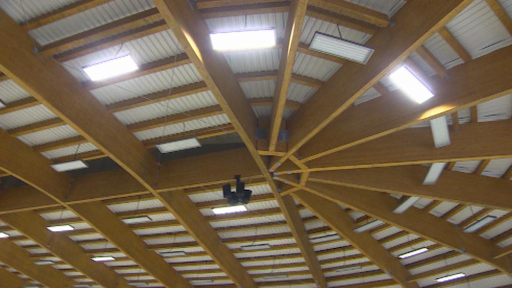 Konstrukce střechy stadionu