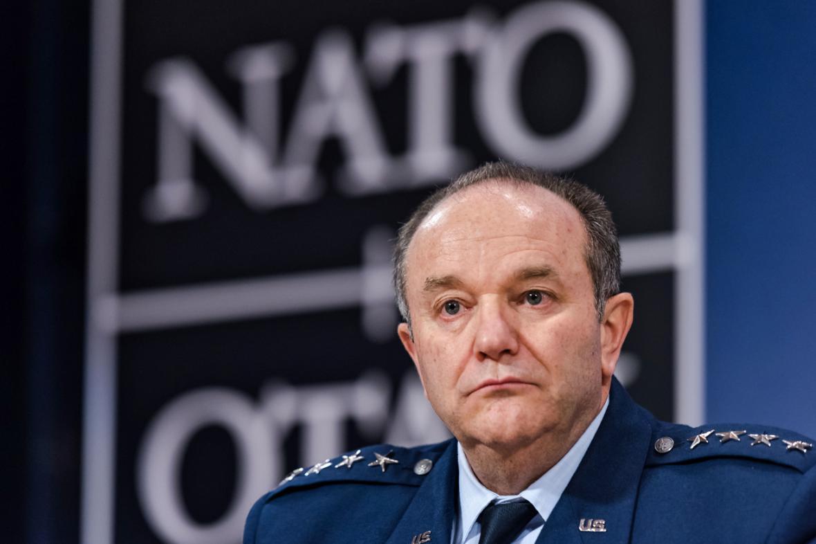 Philip Breedlove po jednání Vojenského výboru NATO