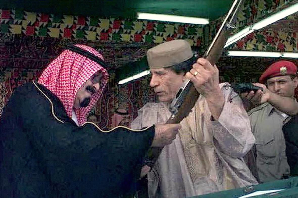 Král Abdalláh a Muammar Kaddáfí