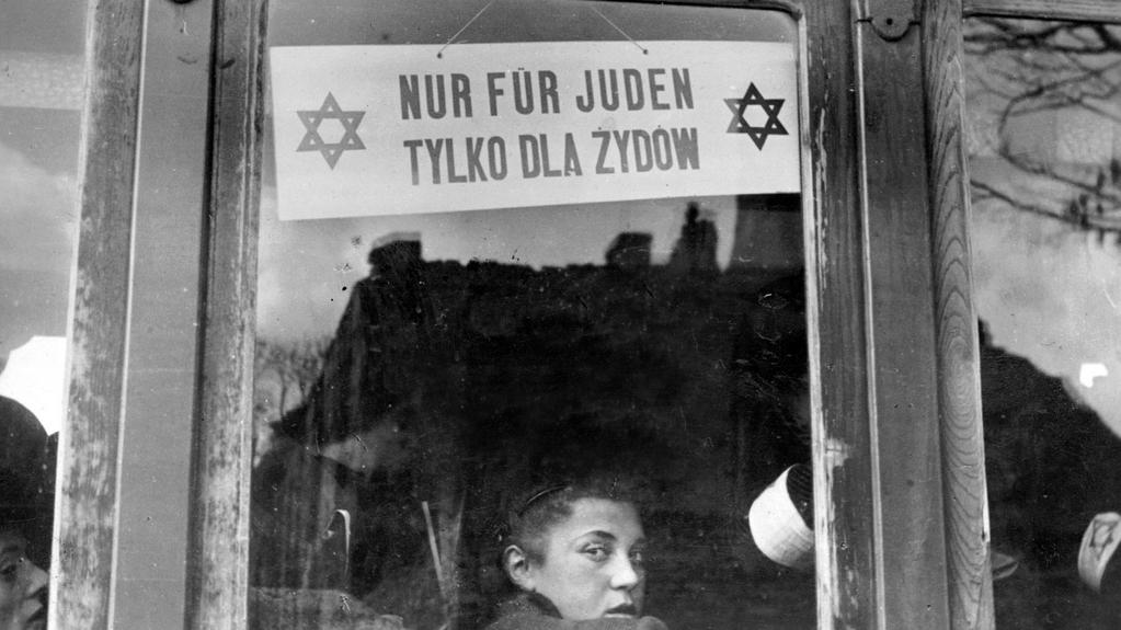 Pouliční vůz vyčleněný pro Židy