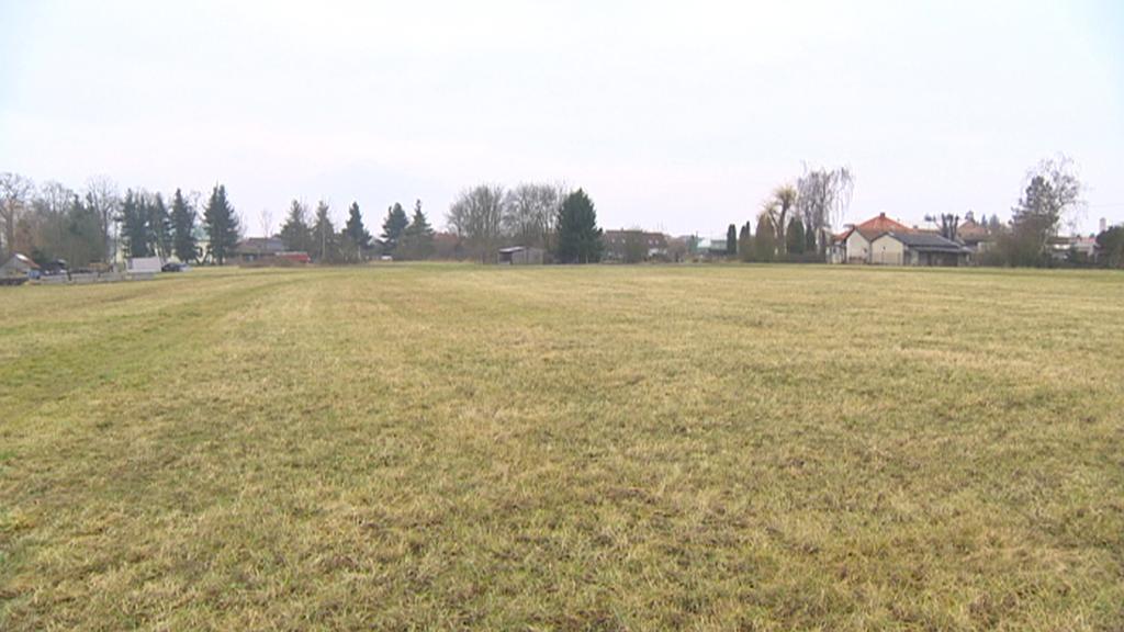 Pozemek v Horním Jelení - kdysi patřil církvi