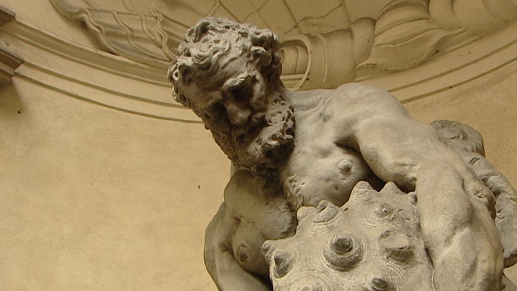Hlava Tritona - Clam-Gallasův palác