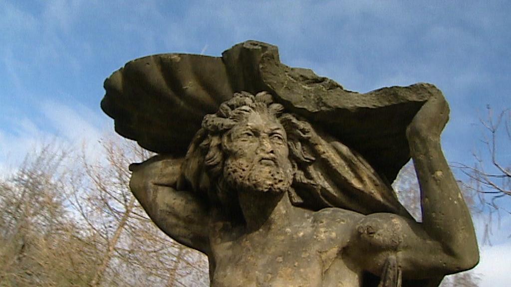 Originál v zahradě třebotovského zámku - archivní záběr