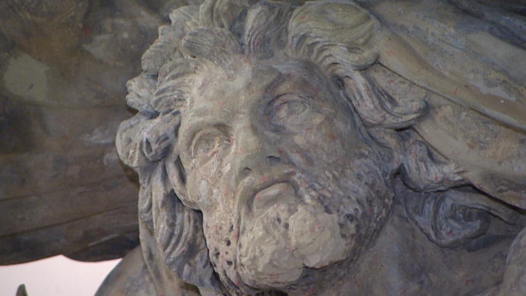 Detail restaurovaného originálu sochy