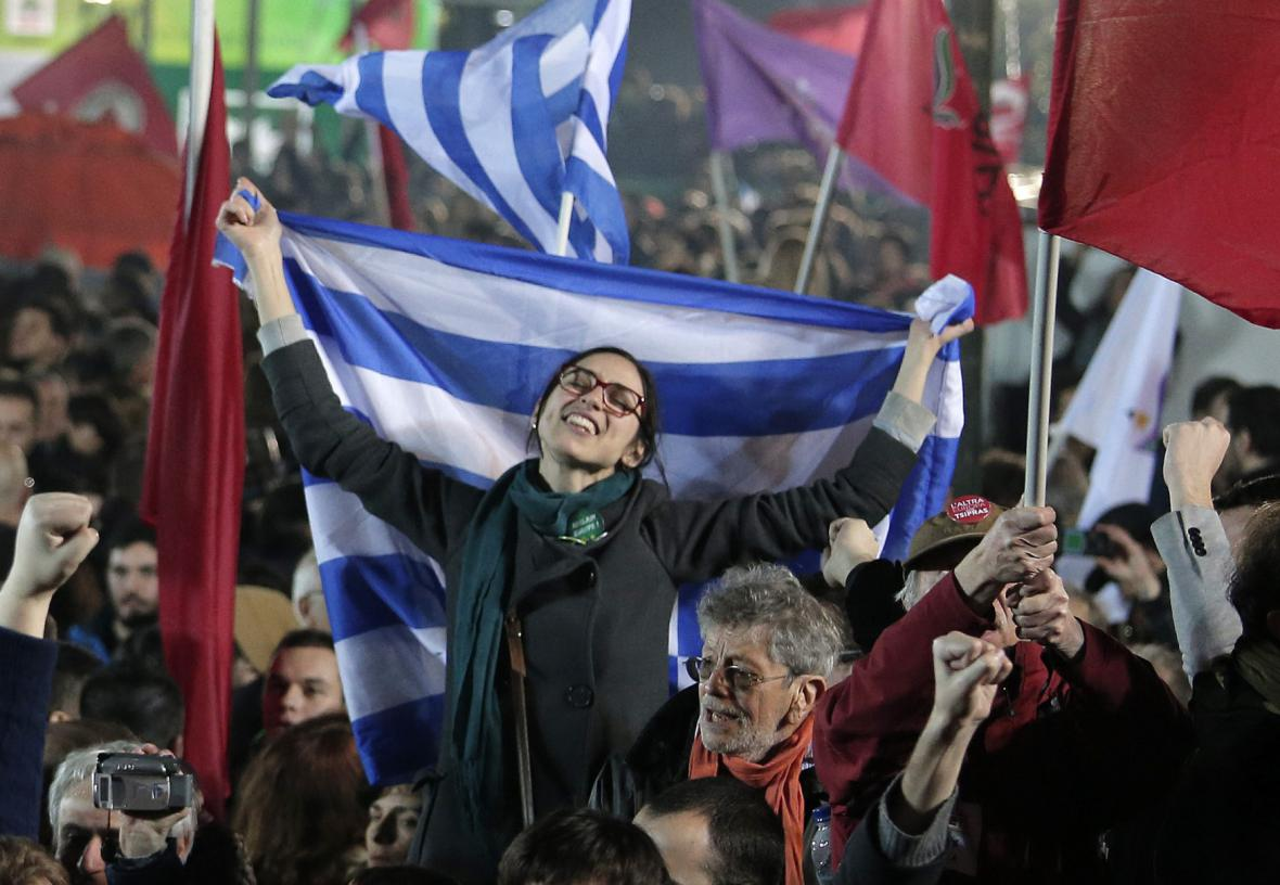 Příznivci hnutí Syriza oslavují vítězství v předčasných volbách