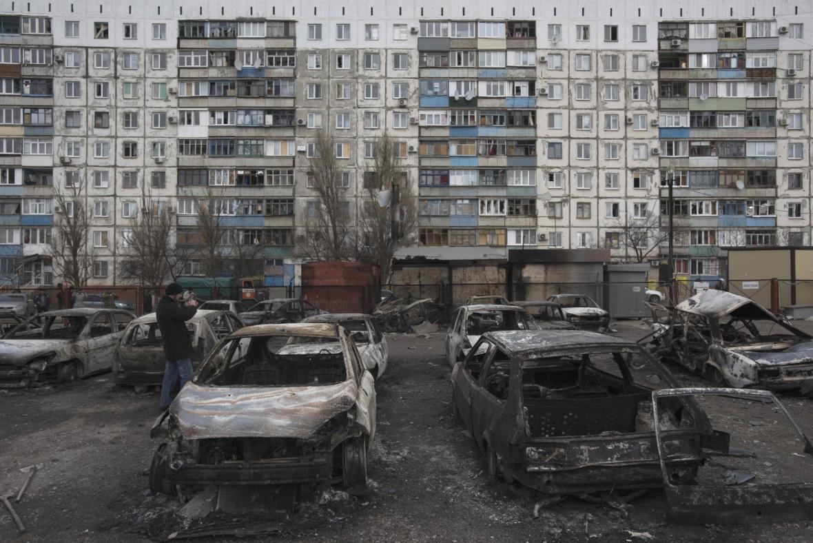 Ostřelovaný Mariupol
