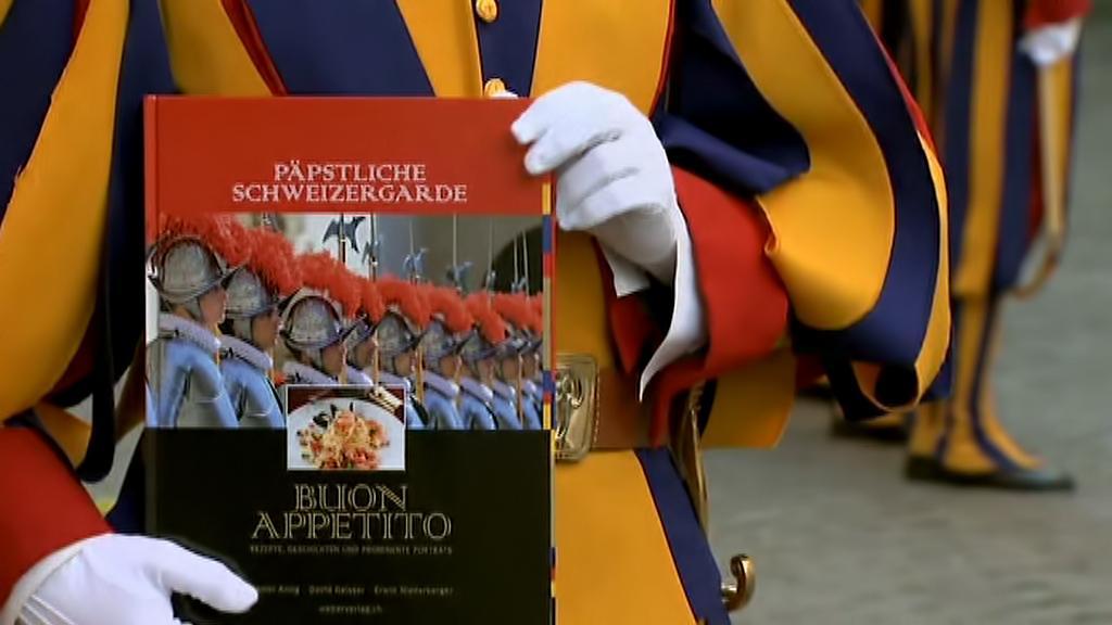 Gardista Geisser vydává vatikánskou kuchařku