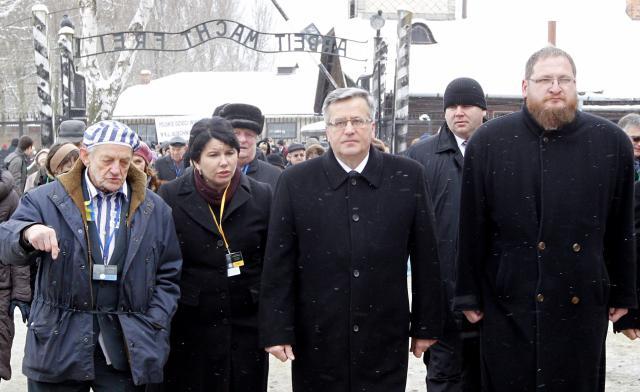 Polský prezident Komorowski přijel do Osvětimi už dopoledne