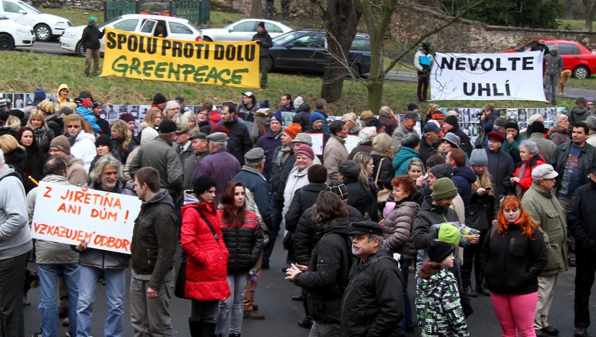 Horní Jiřetín: Demonstrace za zachování těžebních limitů