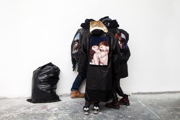 Klára Vystrčilová - kožené oděvy s ručně vyšívanými aplikacemi