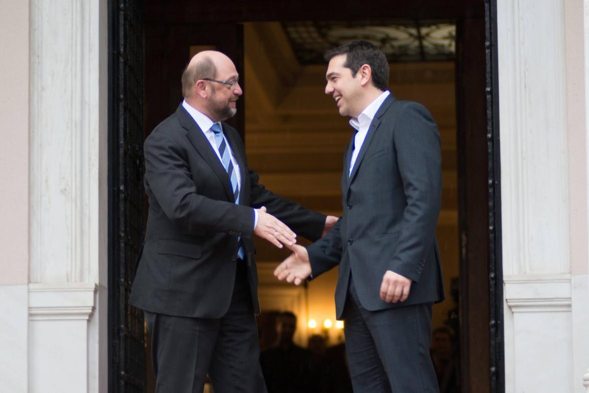 Martin Schulz se vítá s Alexisem Tsiprasem